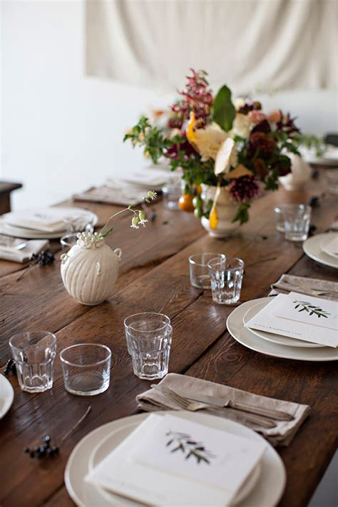 Beautiful Table Settings A Beautiful Fall Inspired Table Setting The Style Files