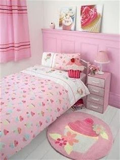 cupcake bedroom decor cupcake bedroom ideas on pinterest cupcake room decor cupcake bedroom and cupcake
