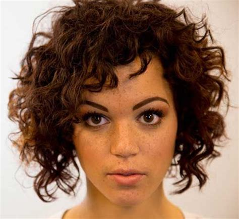curly face framed hairstyles 21 best face framing curls images on pinterest hair cut