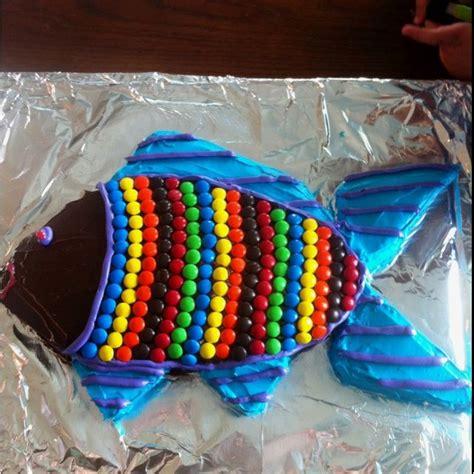 fish cake   pan   favorite cake cut   ca cakes pinterest