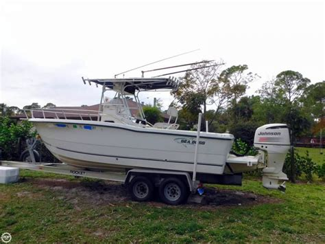 sea pro boats quality 2005 used sea boss 235 cc center console fishing boat for