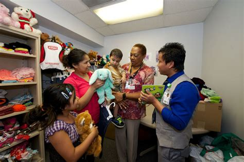 Karens Closet by Miss Opens Up Closet For Children In Need Inside