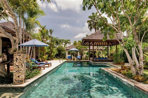airbnb  thailand    book
