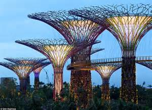 Landscape Structures Singapore Ecological Urbanism In Singapore Supertrees By The Bay