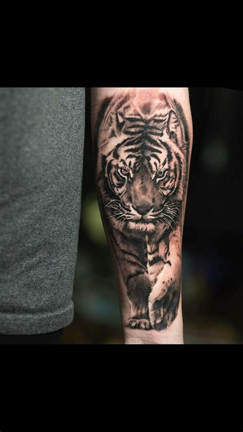 tiger forearm tattoo best 25 tiger sleeve ideas on