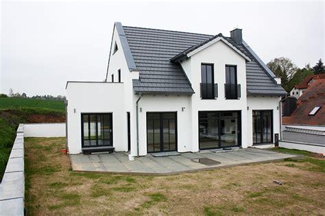Efh Kaufen by Einfamilienhaus Mit Einliegerwohnung Im Keller Emphit