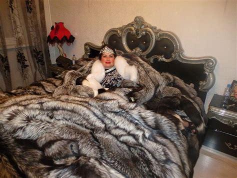 37 best statement fans images on pinterest blankets silverfox fur queen furs furs furs never enough