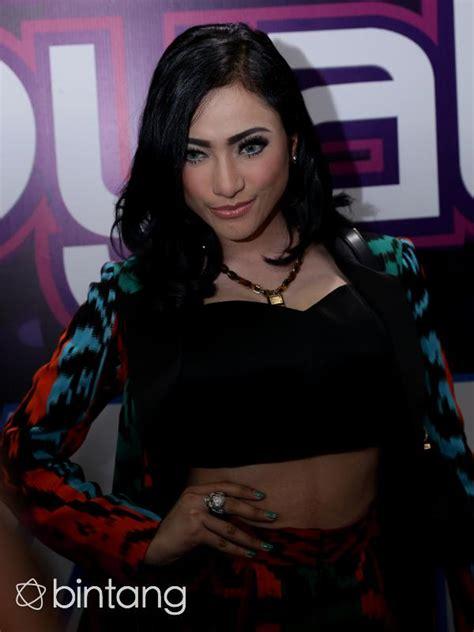 film action indonesia yang akan datang amel alvi til seksi lagi di film dia pasti datang