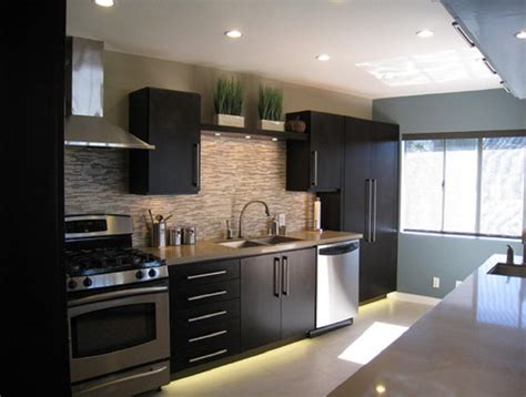 Kitchen Ideas With Black Cabinets | 20 best kitchen backsplash ideas dark cabinets
