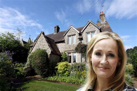 celebrities homes celebrity homes under the hammer how much their pre fame
