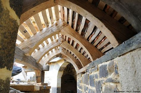 french  spent  years building   medieval castle    great