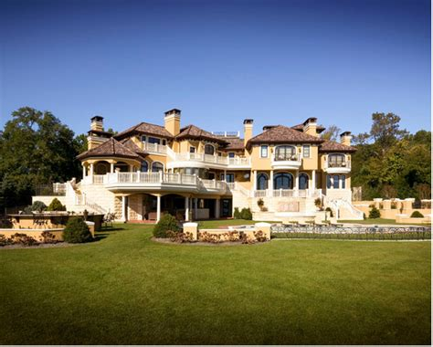 Hgtv Livingroom 16 000 Square Foot Waterfront Mansion In Rumson Nj Shown