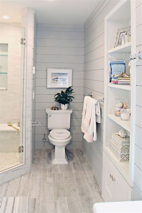 Ideas For Remodeling A Small Bathroom Best 25 Small Bathroom Remodeling Ideas On Pinterest