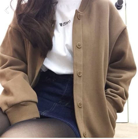 Look Korean Jaket Baseball Brown jacket brown brown jacket baseball jacket jacket aesthetic shirt white t