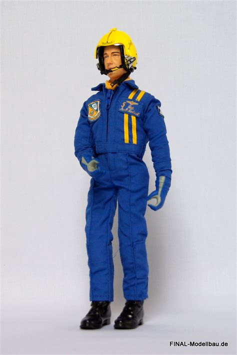 Figure Pilot modern jet 1 6 rc pilot figure blue normal