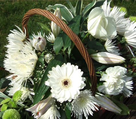 Send Sympathy Flowers by Send Your Sincerest Condolences Flower Pressflower Press