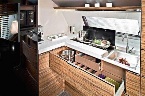 winzige badezimmer lagerung wohnwagen adria astella 2016 cer