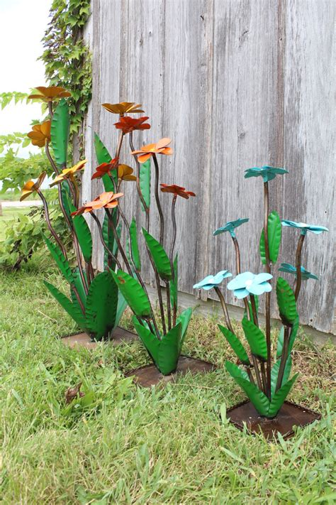 metal yard yard blooming flowers recycled metal daisies in 3 sizes