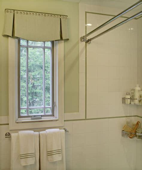 Bathroom Window Valance Ideas by An And Tailored Valance For The Bathroom I Like