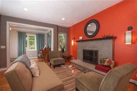 Cómo Escoger los Colores Apropiados para Pintar mi Casa