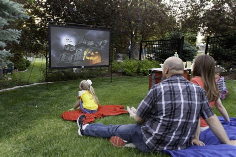 backyard movie projectors best outdoor projector screen 2018 reviews and buyers guide