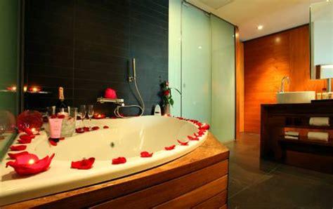 hoteles baratos con jacuzzi en la habitacion barcelona viajar a barcelona habitaci 243 n con jacuzzi privado en el