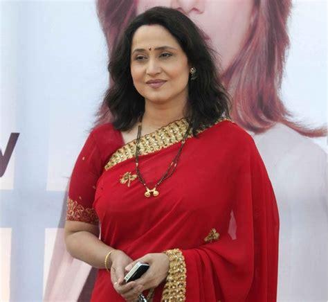 actress jhansi age nishigandha wad husband family hot biography marathi tv