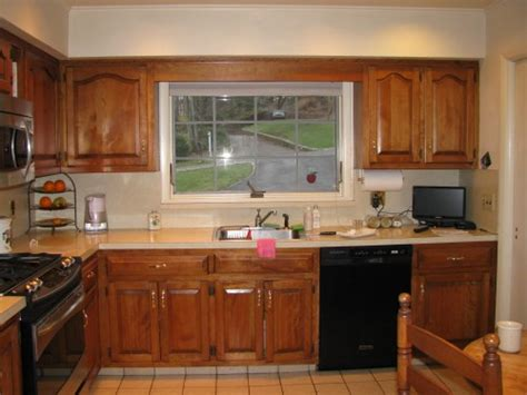 Kitchen Cabinets With Bulkhead The Bulkhead The Kitchen Cabinets As Well As A Skylight In The Middle Of The Ceiling Quot