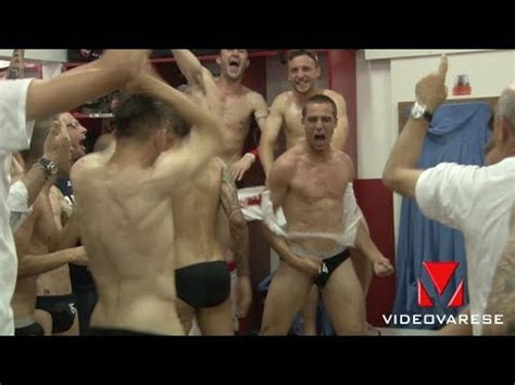 spogliatoio maschile doccia harlem shake spogliatoio maschile fiore by bigio