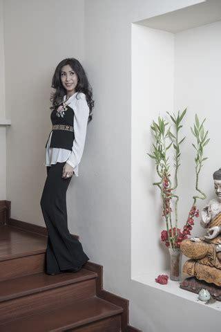 Kemeja Chanel Motek Navi gaya wanda ponika