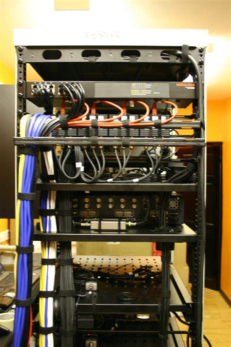 av racks showcase hot racks   cable management