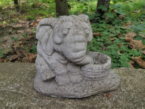 vintage cement 4 quot tall elephant drinking garden art statue weathered concrete ebay