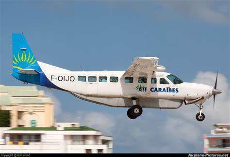 si鑒e air caraibes f oijo air caraibes cessna 208 caravan at sint maarten