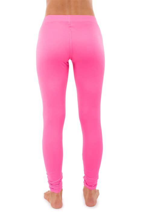 Legging Pink guide to choose the pink thefashiontamer