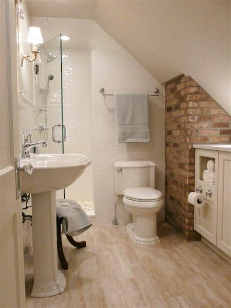 kleines bad einrichten nehmen sie die herausforderung an 34 attic bathroom ideas and designs