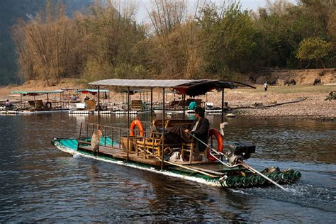 bamboo boat bamboo boat on the lijiang river yangshuo area flickr