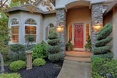 cozy houses 13 cozy homes in and around sacramento sacramento real estate