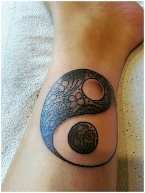 tattoo 3d yin yang 40 amazing yin yang tattoo designs