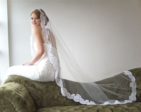 Wedding Hairstyles With Floor Length Veil by Bridal Veil Traditional Veil Mantilla Chapel Length Veil