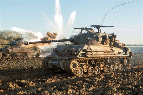 film fury bagus ga los tanques sherman fury y tiger 131 llegan a world of
