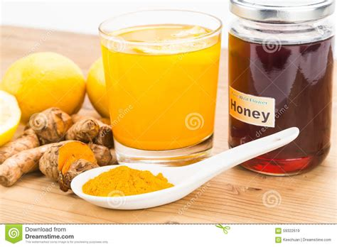 Honey Lemon Turmeric Detox by Turmeric Roots With Lemon And Honey Drinks Powerful