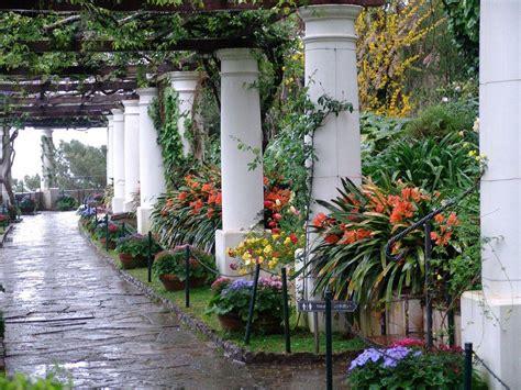 i giardini piu belli d italia a capodimonte e i parchi pi 249 belli d italia charme