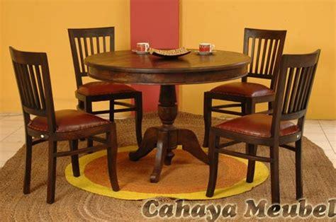 Meja Makan Kayu Bulat produsen kursi makan meja bulat kayu jati cahaya mebel jepara