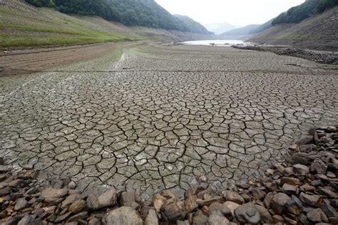 letto fiume siccit 224 il letto asciutto fiume soyang in nord corea