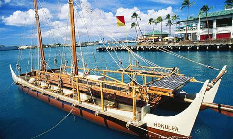 hawaii canoe hits halfway mark    world voyage