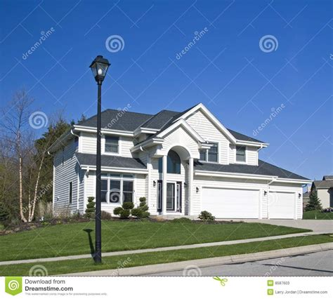 how big is the white house big white house stock photos image 8587603