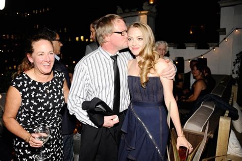 amanda seyfried family updated blond beauty amanda seyfried and her family have