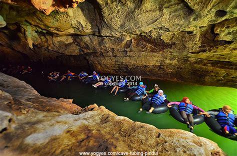 photo  cave tubing gua pindul