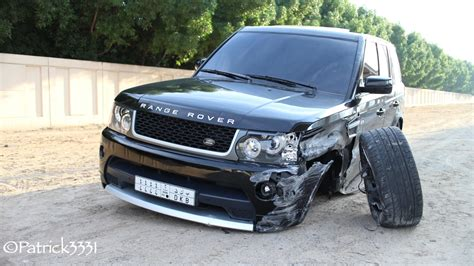land rover dubai damaged range rover abandoned in dubai