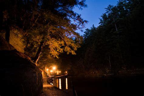 dells ghost boat spooky ghost boat tour haunts wisconsin dells all summer long